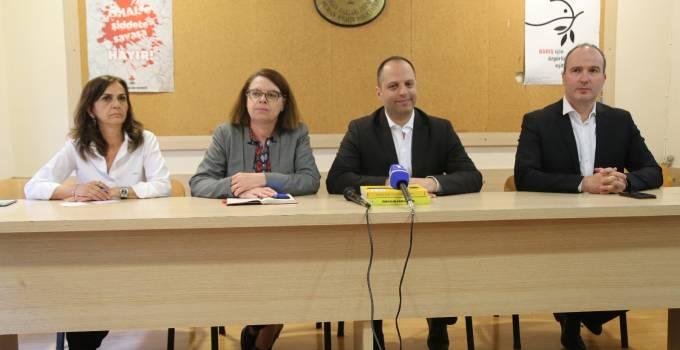 ERMENİ SOYKIRIMI katliam ve soykırım yasak 3 İHD üyesi gözaltında
